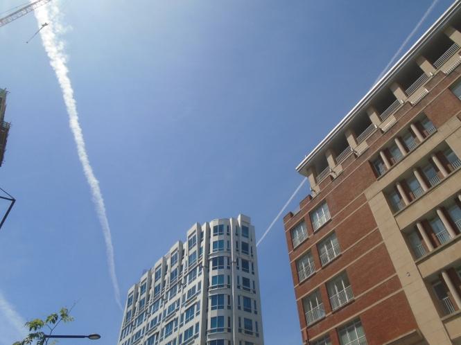 Chem Trails over Montreal, view from De Maisonneuve Blvd.